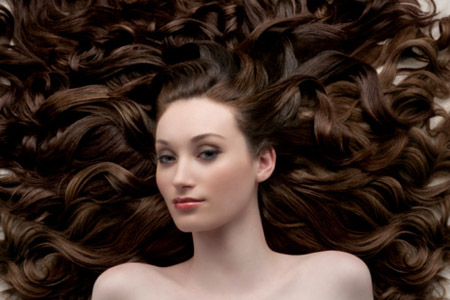 Những cách tự nhiên giúp bạn ngăn ngừa rụng tóc 1