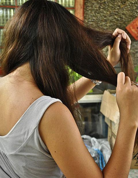 Mẹo chải tóc rối hiệu quả bằng lược 4