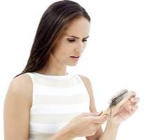 Rụng tóc nhiều có nguyên nhân do đâu? 1