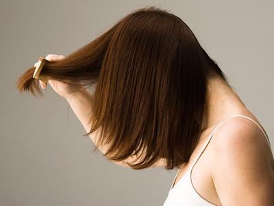 2. Tránh làm tổn thương da đầu 1