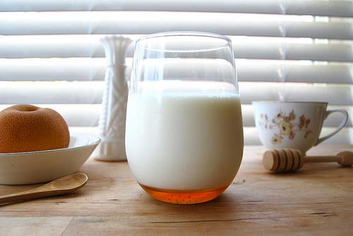 1. Sữa tươi và mật ong 1