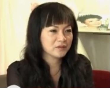 Chuyện chữa rụng tóc do di truyền của bà chủ tiệm áo cưới miền Tây 1