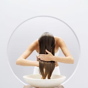 Chăm sóc mái tóc dầu nhờn tại nhà 1