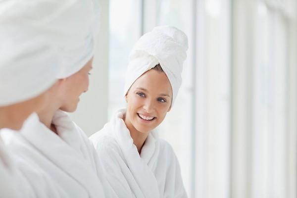 Những điều cần tránh xa khi mái tóc đang ướt 2