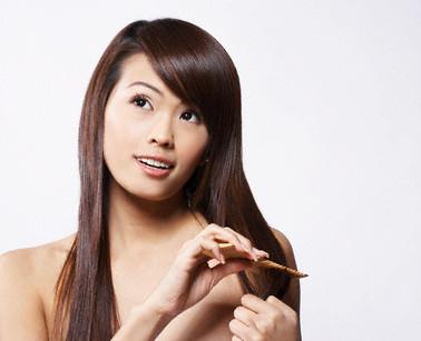 Làm sao để tóc không bị chẻ ngọn? 1