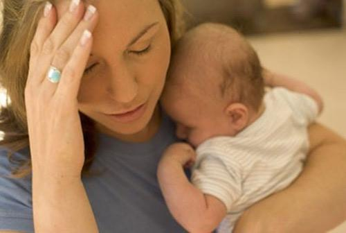 Chứng rụng tóc sau khi sinh 1
