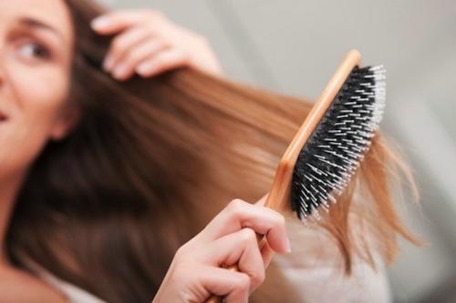 2, Dùng lược chải tóc phù hợp 1