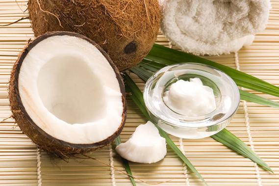 Cách gội đầu bằng dầu dừa cho tóc đẹp hoàn hảo? 1