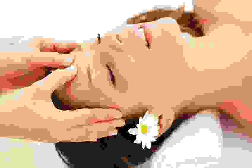 Cách massage da đầu kích thích mọc tóc 11